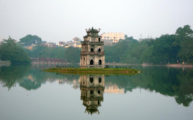 hoan kiem lake the heart of hanoi. Black Bedroom Furniture Sets. Home Design Ideas